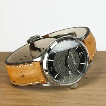 🔺REBAJAS🔺 Descubre nuestras mejores marcas y sus descuentos. . -Automático /44mm / H32755851 El fondo transparente del Viewmatic representa la oportunidad perfecta para admirar la armoniosa asociación de relojería contemporánea y excelencia artesanal. Afortunadamente, la parte trasera de este reloj es tan increíble como la parte delantera.✨ . . . #rebajas #descuentos #enero #relojeria #hamilton #reloj #relojes #tendencia #tendencias2021